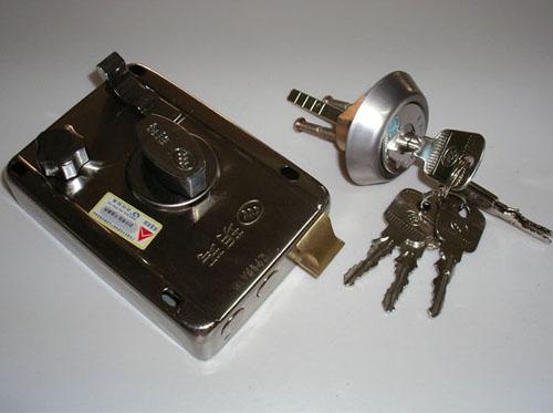 洛阳开锁:梅花锁的使用具体步骤